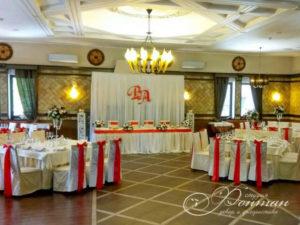 красный декор для свадьбы фото