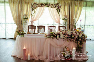 роскошный стол молодоженов фото