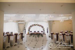 свадьба в бело-красных тонах фото