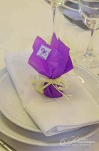 свадебный декор для гостей фото
