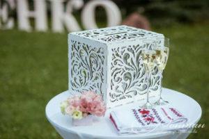 свадебный декор и бокалы фото