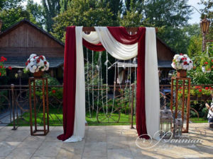 классическая свадебная арка фото