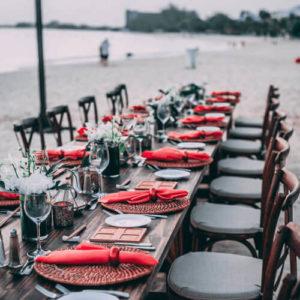 свадьба в красных тонах на природе фото